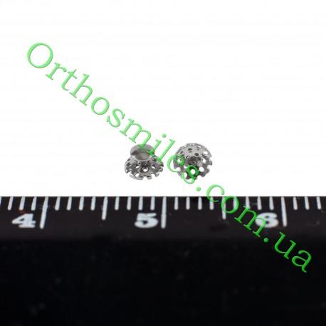 Лингвальная кнопка металлическая фото 1 — OrthoSmiles